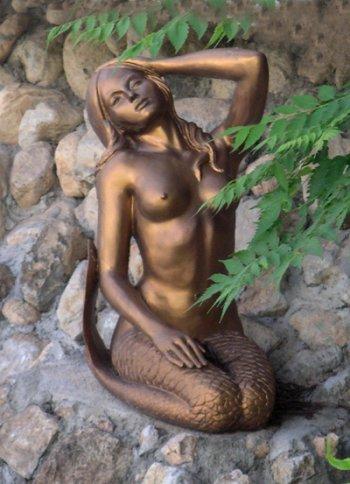 [Syrena] Rzeźba